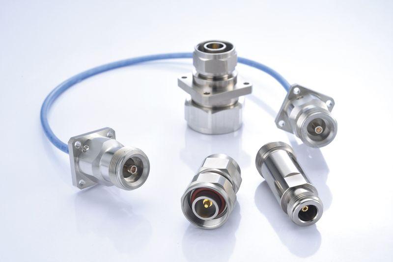 4.1/9.5 Connectors